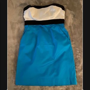 New York and Co. Strapless dress w/ pockets size 4